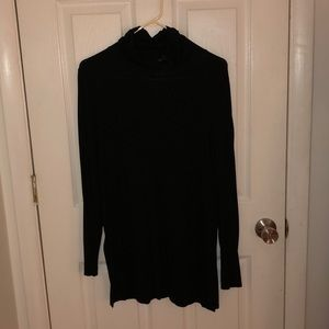 Black cable and gauge shirt